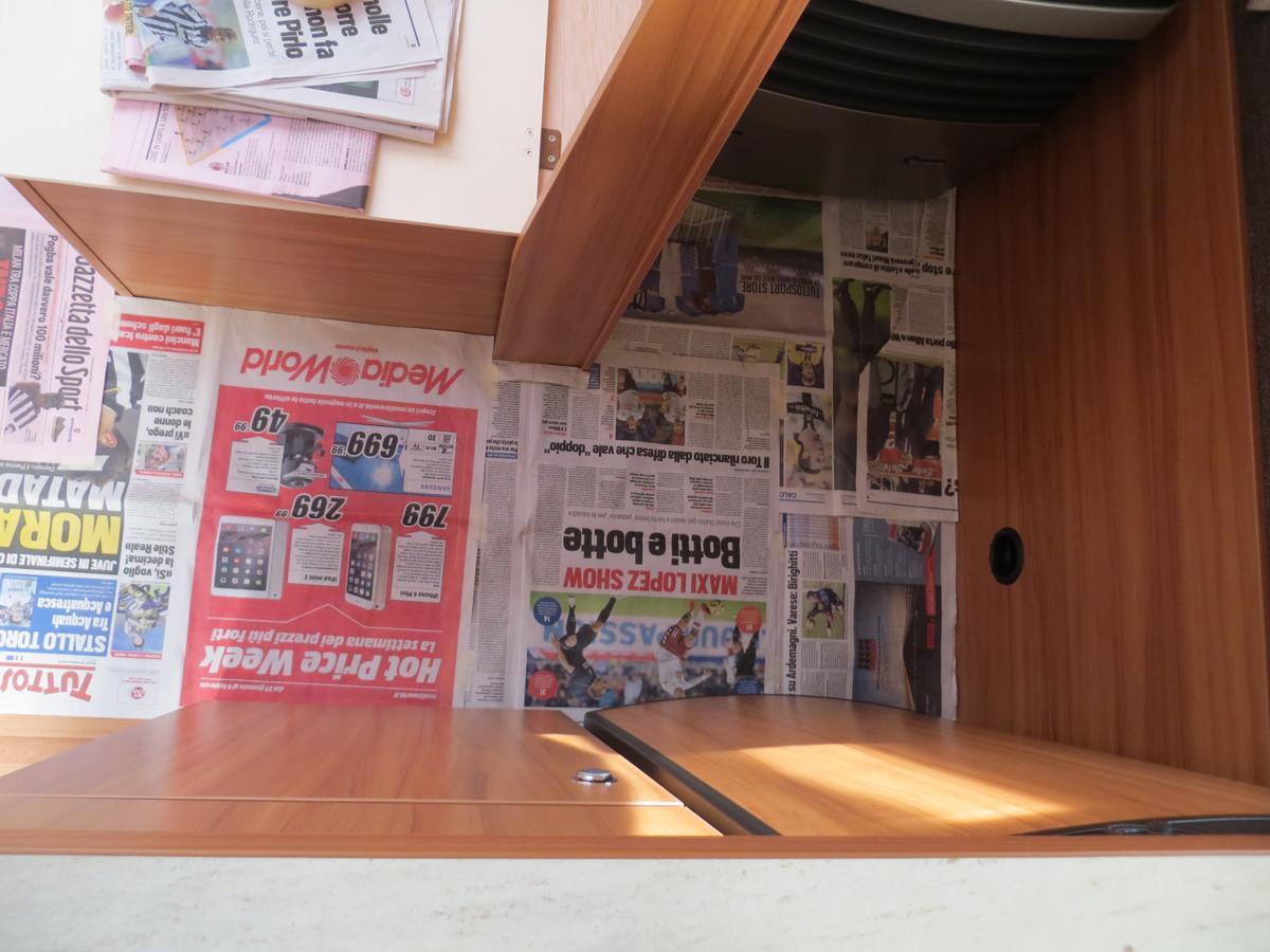Idee Per Interni Roulotte : Pavimento caravan roulotte