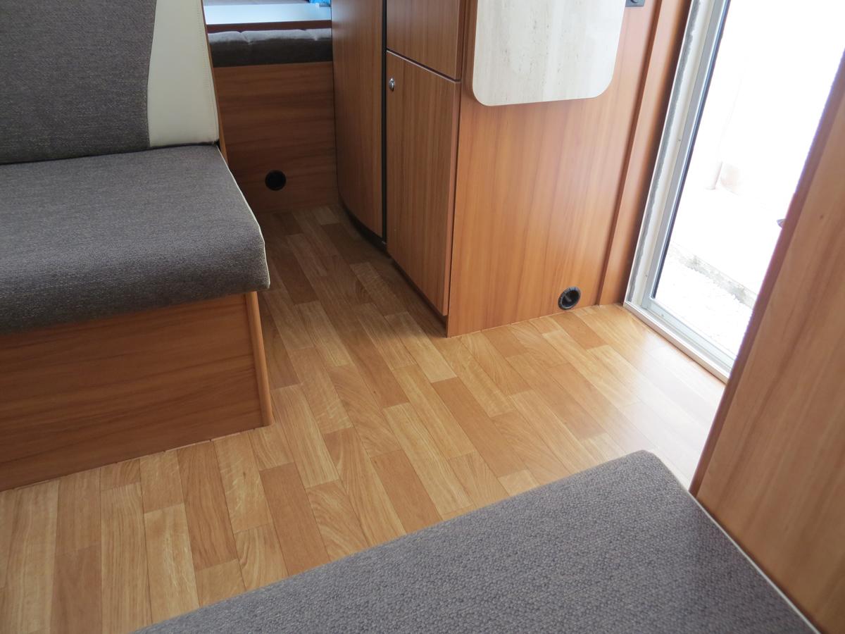 Estremamente Pavimento caravan/ roulotte NK29