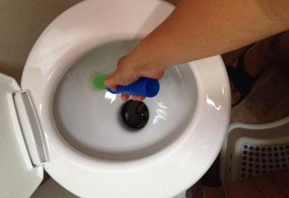 Come eliminare il cattivo odore dal wc chimico