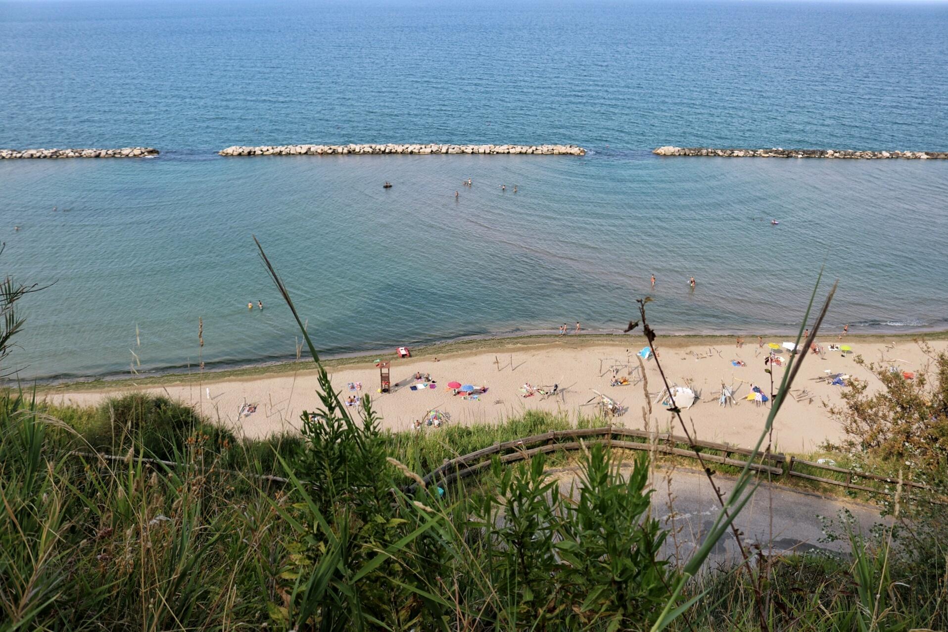 Fiorenzuola di Focara e la sua Spiaggia