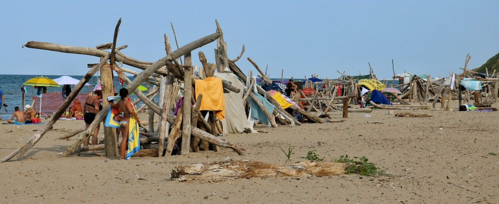spiaggia-libera-fiorenzuola-di-focara