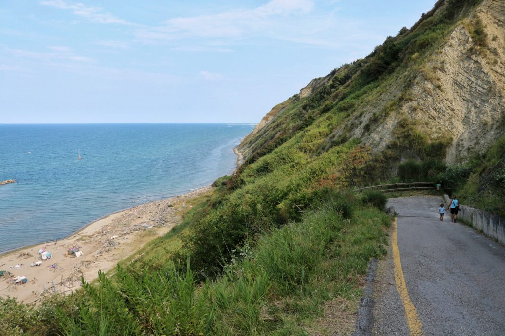 strada-panormaca-per-la-spiaggia-di-fiorenzuola