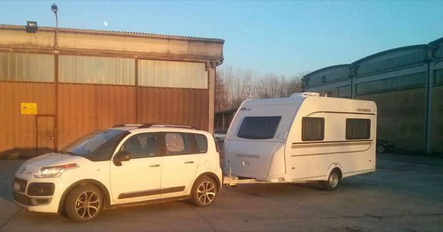 caravan trattrice
