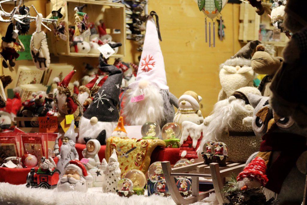 mercatini di natale arco casette regali