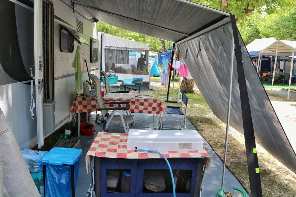 attrezzatura per campeggio