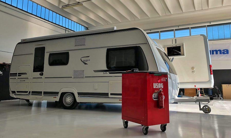 Officina camper van garage