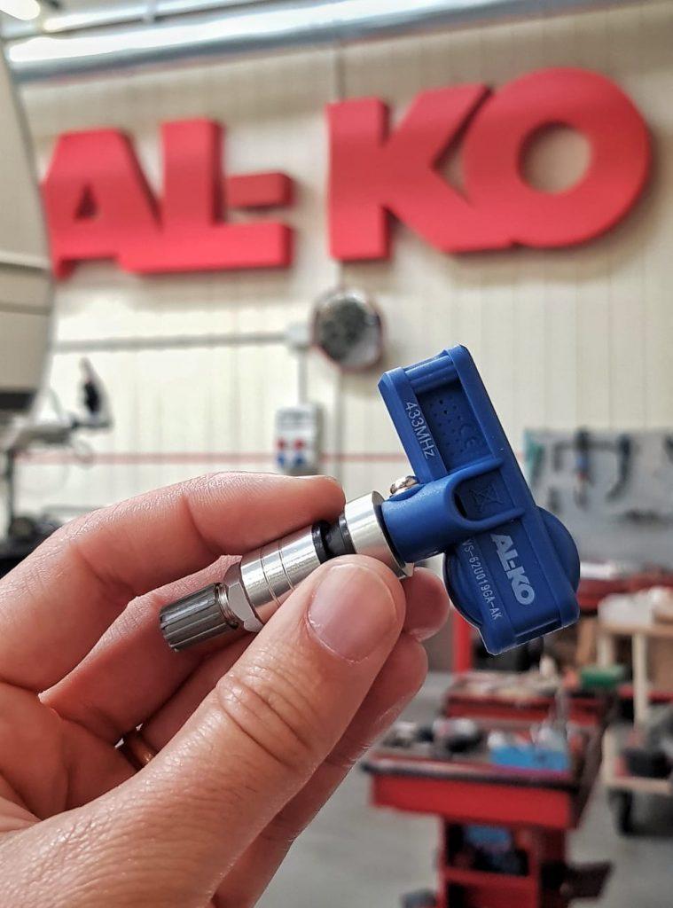 Sistema di controllo pressione pneumatici