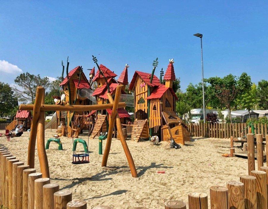 Piani di Clodia Lazise parco giochi castello