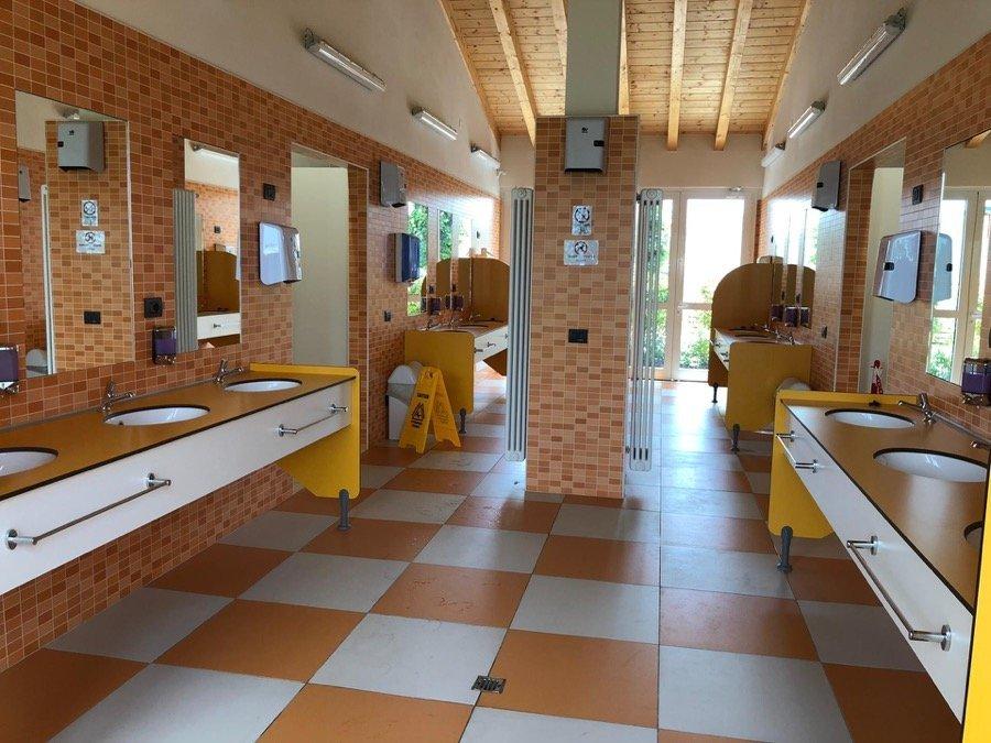 camping verona village bagni