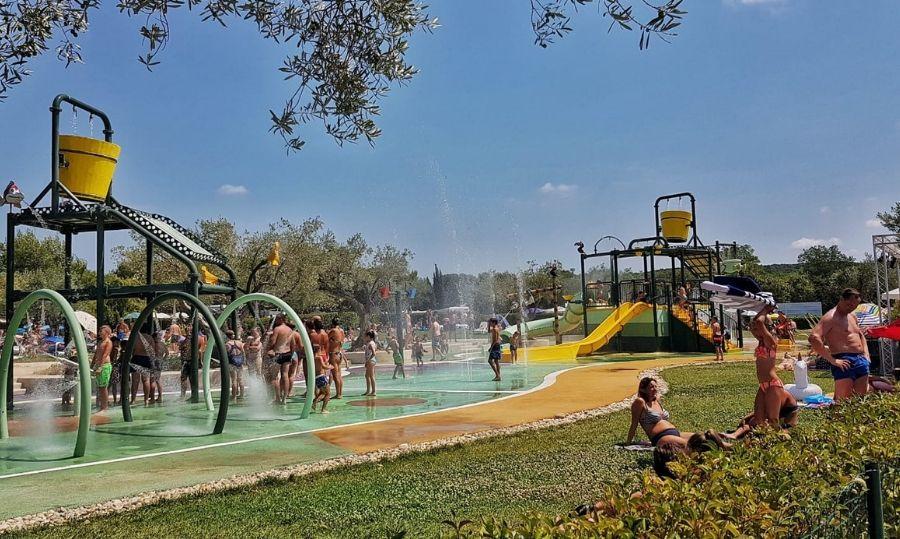 camping polari piscine e parco acquatico
