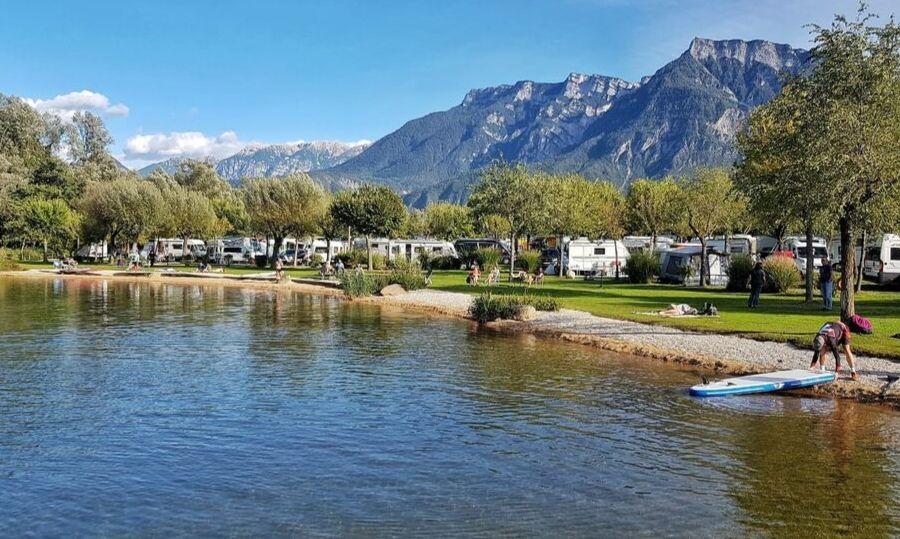 lago levico camping village spiaggia